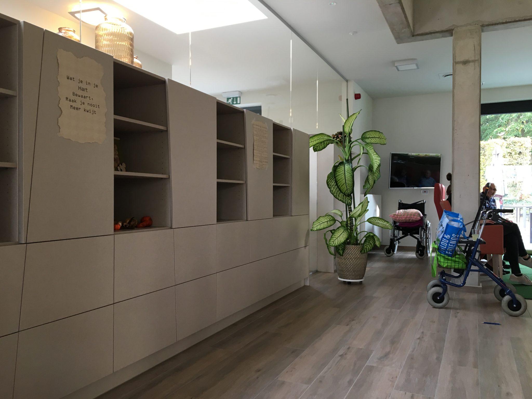 Kast Als Scheidingswand : Project woonzorgcentrum ocura ozen interieur