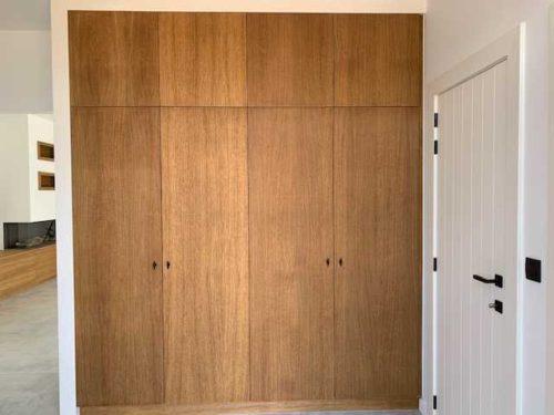 Inkomhalkast met gefreesde deur