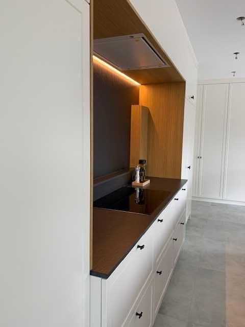 Keukenwand met kookplaat